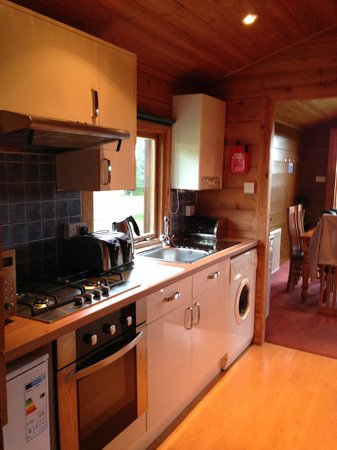 Parkdean - White Acres Holiday Park: Kitchen
