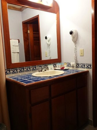 Black Orchid Resort: Vanity Area - Shower was beautiful, too