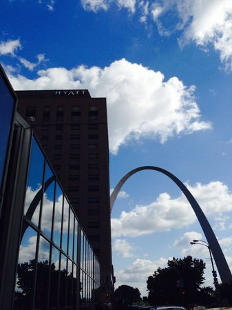 Hyatt Regency St. Louis at The Arch: Right by the arch
