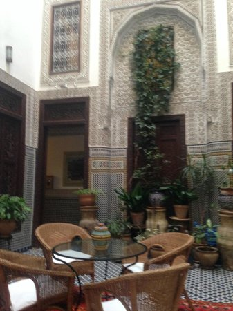 Riad Dar Cordoba: Our room was right off this center area