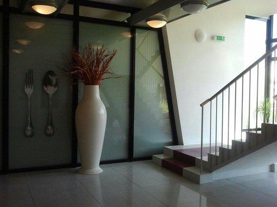 Golden Residence Expo: Zona ascensores