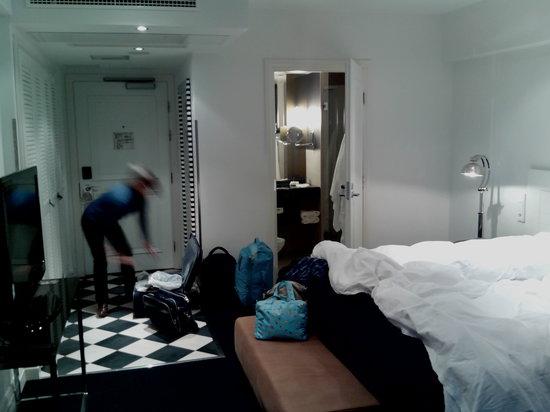 Fabian Hotel: Room 501