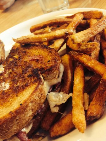 Sheri's Diner: Best Reuben ever with crispy fries!
