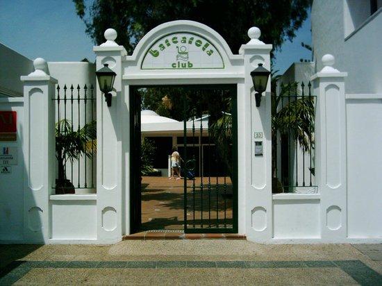Apartamentos Barcarola Club: Entrance to complex
