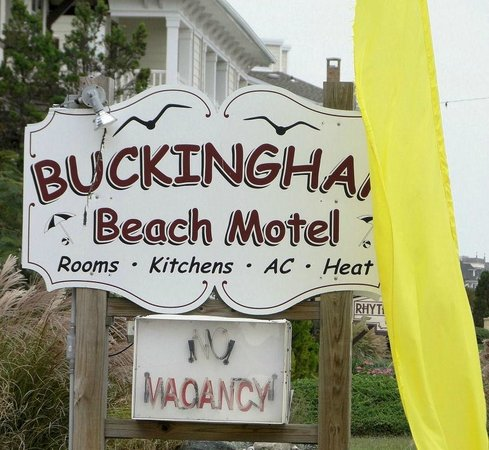 Buckingham Motel: Sign