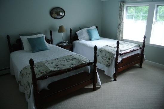 Bethel Hill Bed and Breakfast: Dogwood Suite