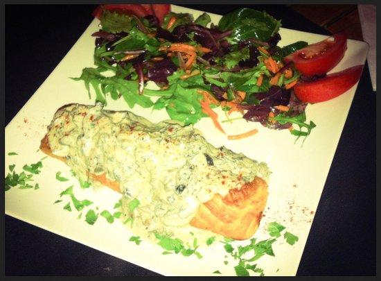 La Mesa Restaurant: Empanada de ternera con salsa de setas....mmm buena!