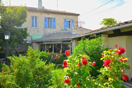 Auberge de Tavel garden view