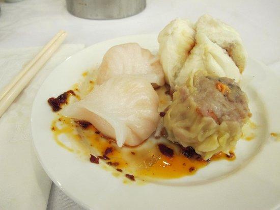Ocean Harbor: Har Gao, Siu Mai, and steamed buns MMMMMmmmm