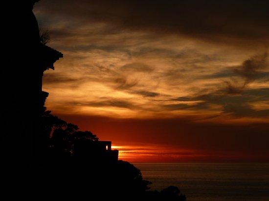 Hotel Piccolo Paradiso : Sunset over the sea