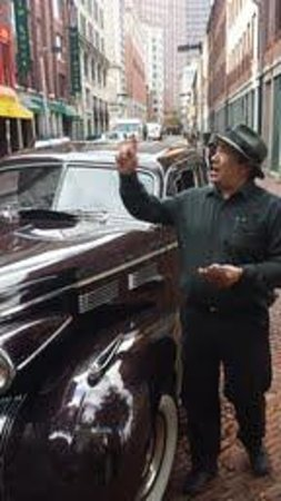 Antique Limousine - Boston Tours : Mark our awesome guide!