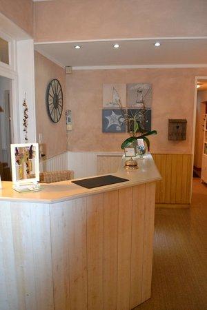 Hotel des Falaises: l entrée