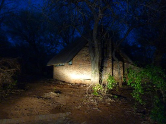 Berg-en-Dal: hut in early morning hours