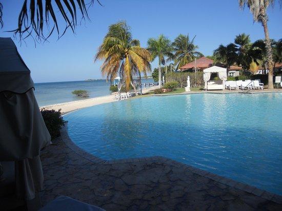 Grand Bahi A Ocean View Hotel Vista Desde La Piscina