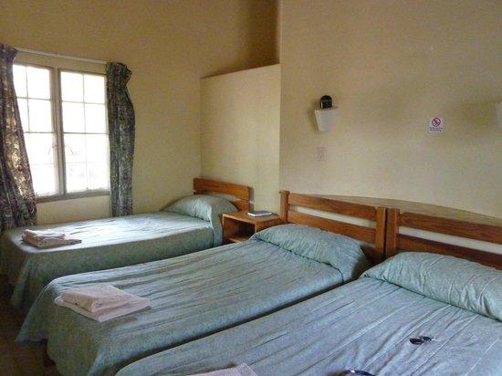 Olifants Rest Camp: room inside