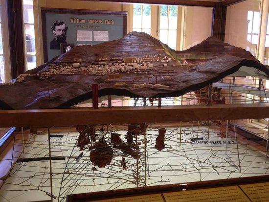 Douglas Mansion: 3-D model of copper mines under Jerome