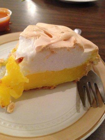 Kristy's Family Restaurant: Kristy's Lemon Pie