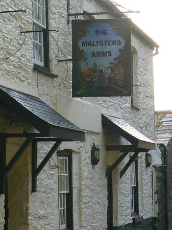 The Maltsters Arms: Front of the Maltster's