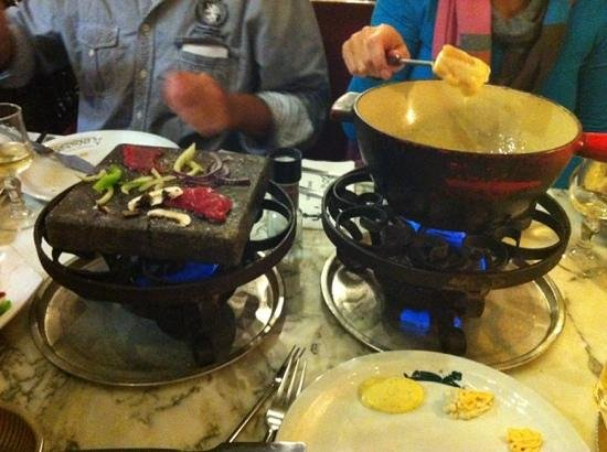 heureux comme Alexandre : Hot stone and cheese fondue