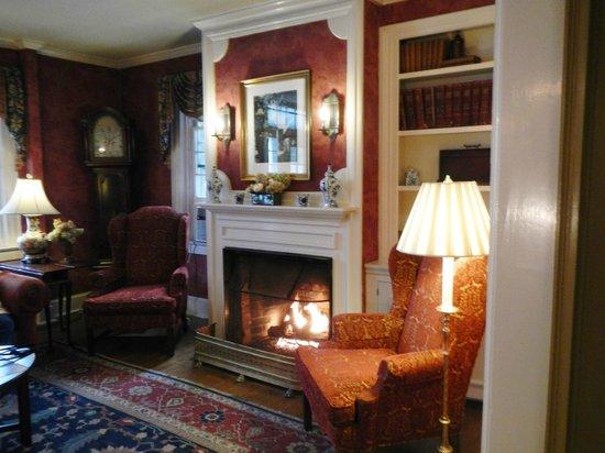 Green Mountain Inn : A sitting room off the lobby
