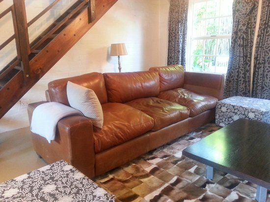 Old Potter's Inn and Brewhouse: Self catering duplex - downstairs lounge