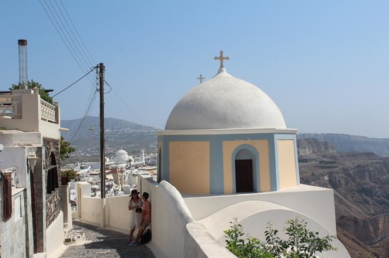 Cliff Side Suites : walking to Fira from Firostefani