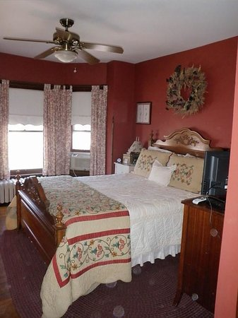 Brickhouse Inn Bed & Breakfast: The Maryland Room