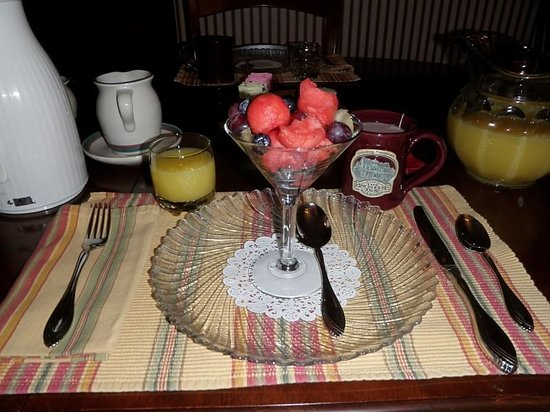 Brickhouse Inn Bed & Breakfast: First Course of Breakfast
