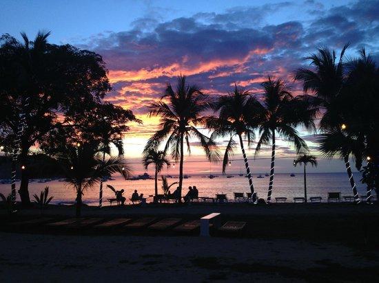 Cafe de Playa Beach Resort & Dining: Precioso Atardecer