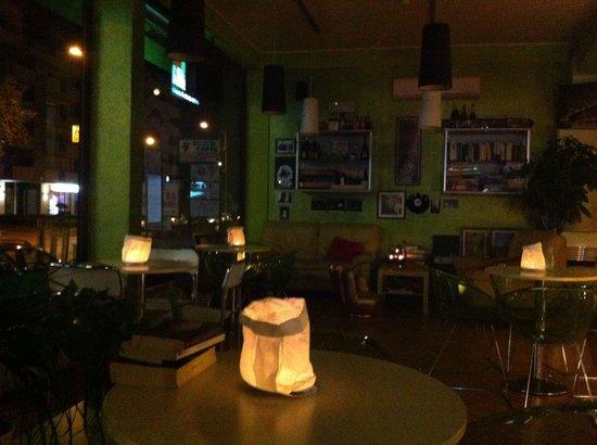 Bar Caffeina : Una calda atmosfera per accogliere gli invitati alla tua festa..