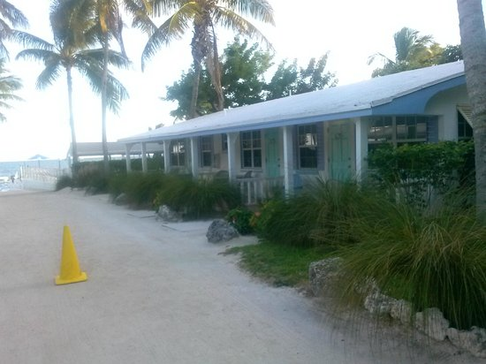 Pines and Palms Resort : cottages