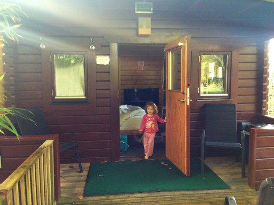 Cypress Log Cabins: Front of beech log cabin