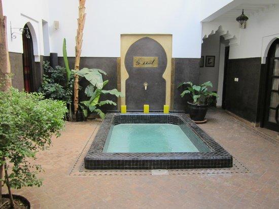 Dar Amanza: Le bain à remous