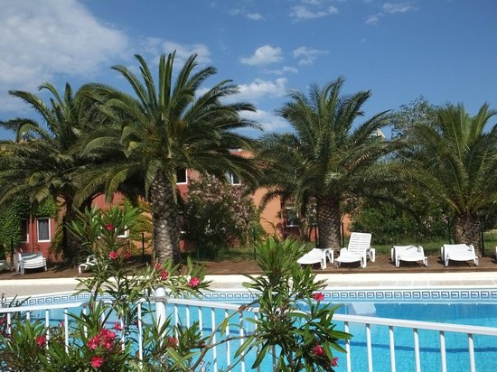 Le Tropic Hotel : View from pool