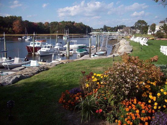 Nonantum Resort: Kennebunk River which is at rear of property