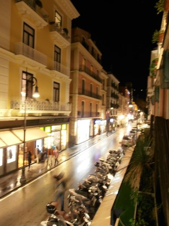 Casa Sorrentina : Corso Italia by night