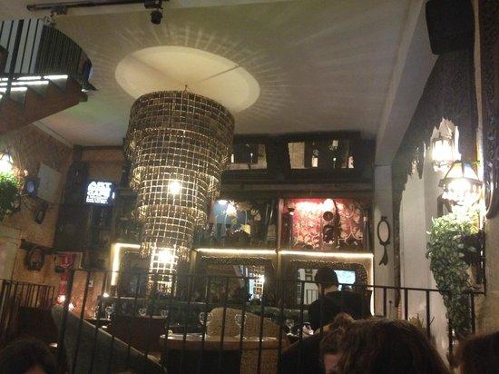 Art Mango Cafe & Restaurant: salle du restaurant