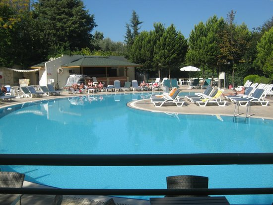 Marbel Hotel : havuz