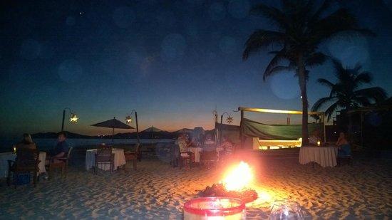 Casa del Mar Golf Resort & Spa: Dining on the Beach