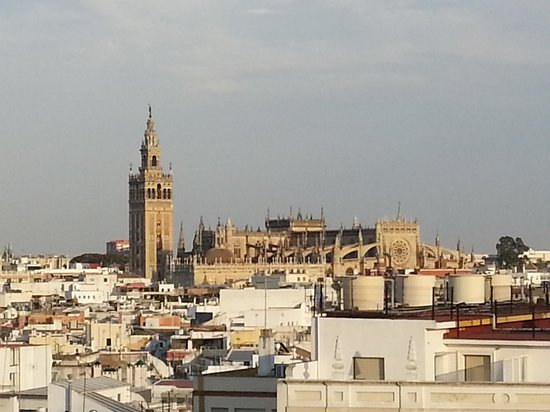 Hotel Becquer : view from roof