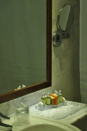 Mythos Palace: Ванная комната с пострадавшим феном