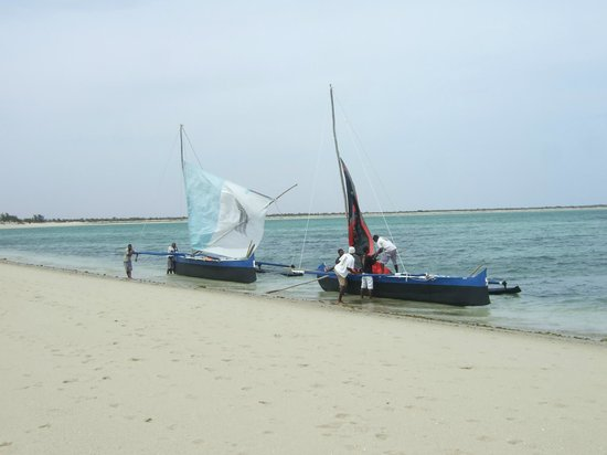 Anakao Ocean Lodge: In piroga...