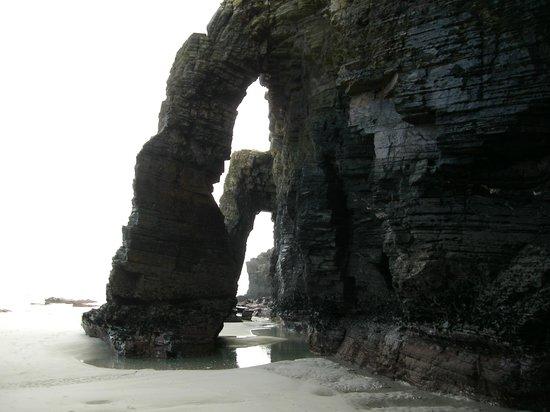 As Catedrais Beach: arcos