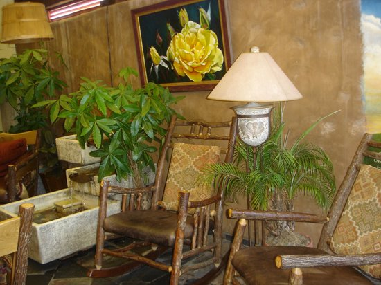 The Yellow Deli: Relaxing area