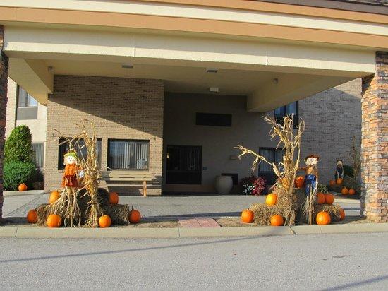 Comfort Inn Bangor: hotel front entrance