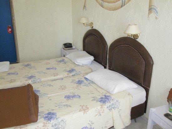 Golden Beach Hotel: room 2