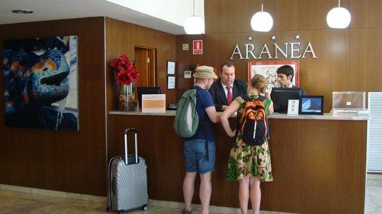 Hotel Aranea: Ресепшн