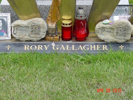 Rory Gallagher Gravesite - St. Olivers Cemetery: Close up