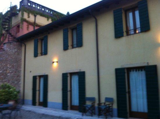 Antica Corte La Valle: Camere