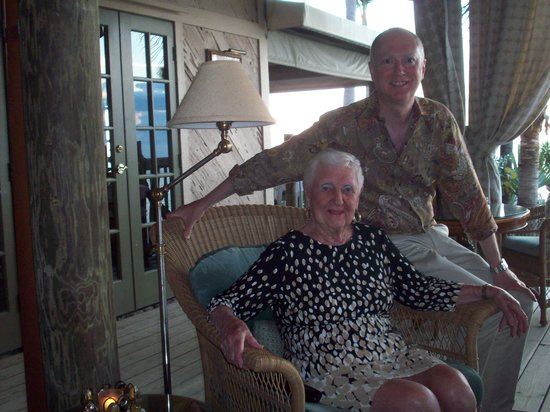 Little Palm Island Resort & Spa, A Noble House Resort: Cocktails with Mom in the Monkey Hut